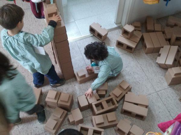 Construïm amb maons gegants