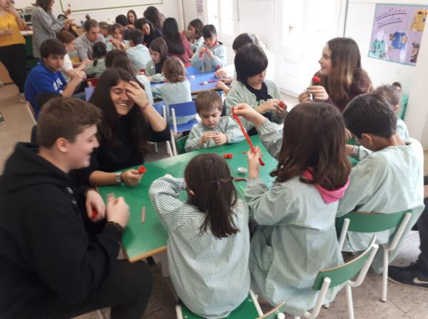 Per la Diada de Sant Jordi… tallers de padrins i fillols!