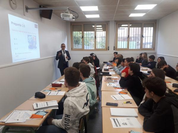 Xerrades de l'EFEC (Educació financera a les escoles de Catalunya) al grup de 4t d'ESO