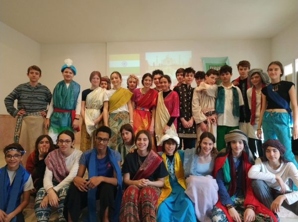 Celebrem el tradicional concurs de ball de l'ESO per Carnaval!